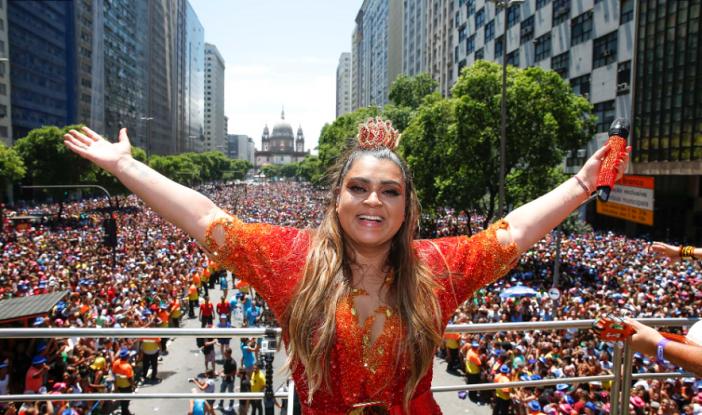 Preta Gil canta para meio milhão de pessoas em seu Bloco da Preta