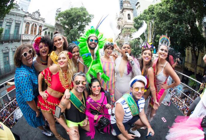 Preta Gil reúne famosos e arrasta multidão no 9º desfile do Bloco da Preta no Rio